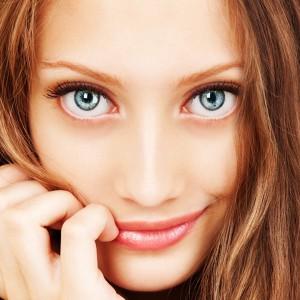 目力が強い 女性 特徴